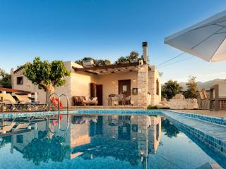 Traditional 3 bedroom villa, with private pool - Armeni vacation rentals