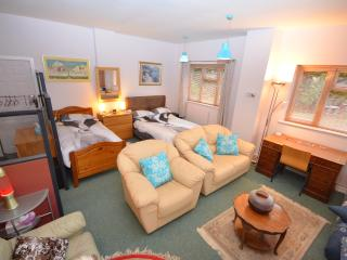 Nice Bungalow with Internet Access and Television - Llandrinio vacation rentals