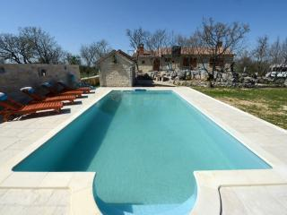 Perfect 2 bedroom House in Benkovac - Benkovac vacation rentals