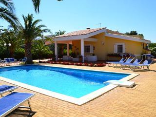 Villa Cavuzzi with private pool and large veranda - Polignano a Mare vacation rentals