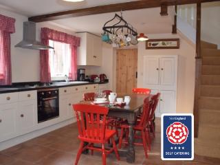 Hillcrest Stables, Near West Bridgford - West Bridgford vacation rentals