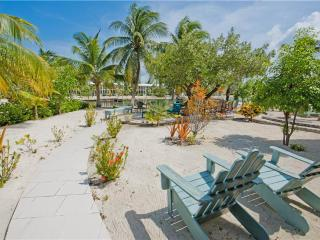 Romantic Condo with Deck and Internet Access - Cayman Kai vacation rentals