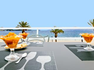 Modern and comfortable seafront apartment for 4 people - HM010SRL2 - Puerto Pollensa vacation rentals