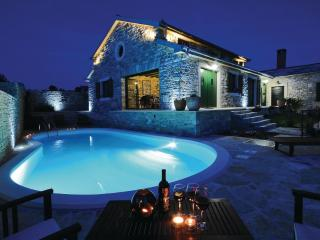 3 bedroom Villa with Internet Access in Benkovac - Benkovac vacation rentals