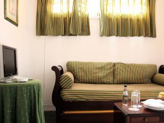 Kani White Apartment, Jamor, Lisboa - Linda-a-Velha vacation rentals
