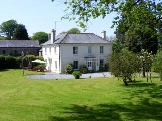 Charming 7 bedroom Slapton House with Television - Slapton vacation rentals