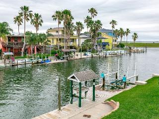 Remodeled Waterfront Rockport Home for 10 - Rockport vacation rentals