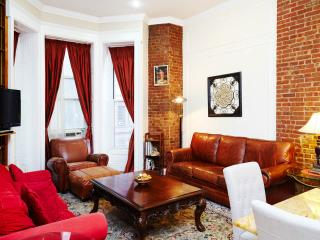 Brownstone Beauty - New York City vacation rentals