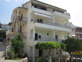 Beautiful Podgora vacation Apartment with A/C - Podgora vacation rentals