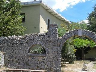 Casa Antinum - Vacanze nelle Montagne d'Abruzzo - Civita d'Antino vacation rentals