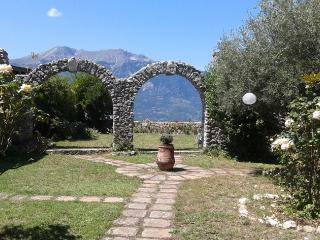 Casa Maciocia - Casa Vacanze tra le Montagne d'Abruzzo - Civita d'Antino vacation rentals