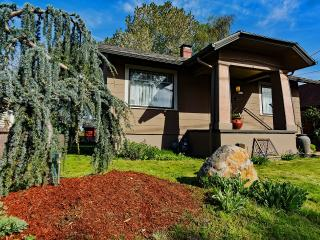 2 bedroom House with Internet Access in Portland - Portland vacation rentals