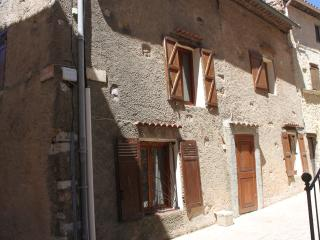 Nice House with Internet Access and Washing Machine - Regusse vacation rentals
