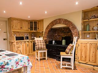 Belfast Greystone Cottage 4 Star Traditional Cottage Holiday Home in Belfast - Belfast vacation rentals
