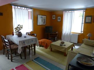 Cozy 1 bedroom Mytilene Apartment with Television - Mytilene vacation rentals