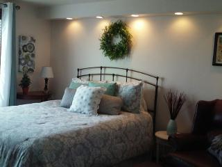 Private Country Suite+hot tub 2 bed 2 bath - Lynden vacation rentals