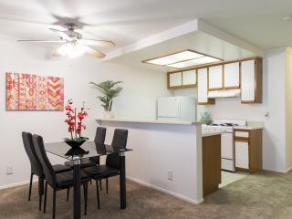 HOLLYWOOD VISTA#204: PERFECT LOCATION - Los Angeles vacation rentals