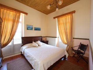 Bright 5 bedroom Vacation Rental in Mystras - Mystras vacation rentals