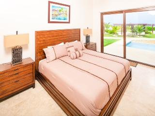 Pristine Bay Beach Villa 104 - Roatan vacation rentals