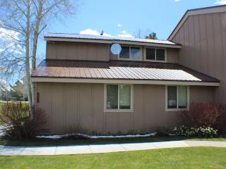 Pines 4032 is a conveniently located golf vacation condo in Pagosa Springs. - Pagosa Springs vacation rentals