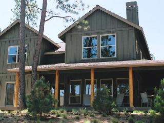 Nice House with Internet Access and Shared Outdoor Pool - Bend vacation rentals