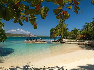 Amanoka - Discovery Bay. Jamaica Villas 7BR - Runaway Bay vacation rentals