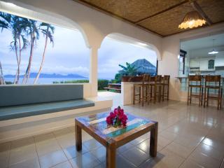 Villa Tahiti Nui - Tahiti - vue Moorea panoramique - Punaauia vacation rentals