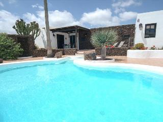 Comfortable Villa in Macher with Mountain Views, sleeps 2 - Macher vacation rentals