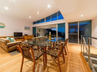 Executive Town Home - Azure Sea Airlie Beach - Airlie Beach vacation rentals