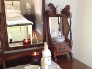 The Avenue at Montville luxury cottage - Montville vacation rentals