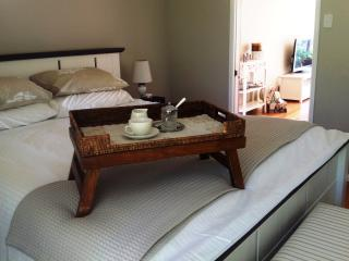 The Avenue at Montville luxury cottage - Montville vacation rentals