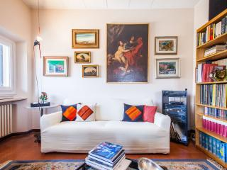 Firenze centro: elegant appartam + parking privato - Florence vacation rentals