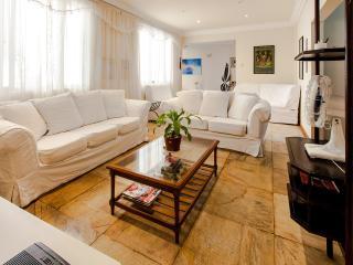 Four bedroom flat, Av Atlantica, Copacabana - Rio de Janeiro vacation rentals