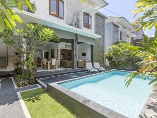 Spacious 3bedrooms Villa Lanikki Legian - Legian vacation rentals