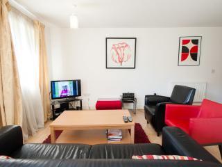 Wonderful Windsor 2 bed/bath apartment - Windsor vacation rentals