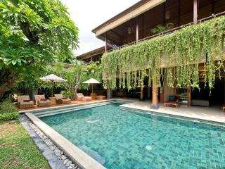 Magnificent 5 Bedrooms Private Villa Seminyak - Seminyak vacation rentals