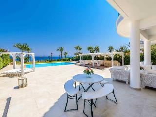 Beautiful 5 bedroom Villa in Paralimni - Paralimni vacation rentals