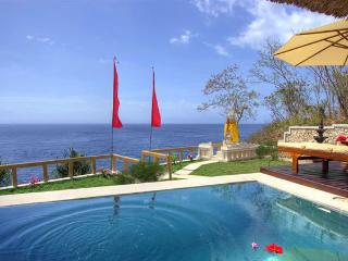 Nice 2 bedroom Nusa Lembongan Villa with Internet Access - Nusa Lembongan vacation rentals