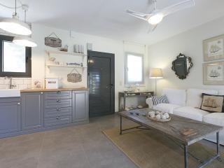 Cozy 3 bedroom Vacation Rental in Pefkohori - Pefkohori vacation rentals