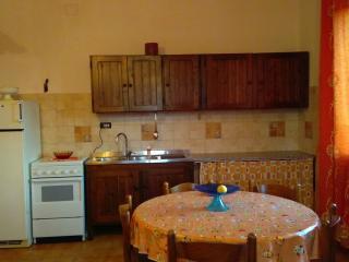 Casa a Girasole (OG) a pochi km dal mare - Girasole vacation rentals