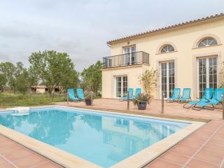 Gorgeous 4 bedroom Binissalem Villa with Dishwasher - Binissalem vacation rentals