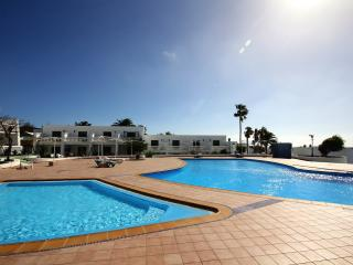 Nice 2 bedroom Vacation Rental in Puerto Del Carmen - Puerto Del Carmen vacation rentals