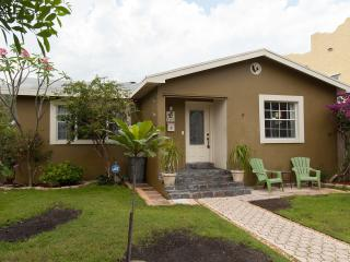 Charming House, Historic District 2/1 WPB,  FL. - West Palm Beach vacation rentals