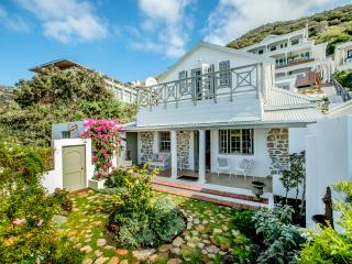 Charming 4 bedroom House in Kalk Bay - Kalk Bay vacation rentals