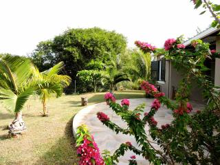 Belle villa au coeur d'un petit village de pêcheur - Riviere Du Rempart vacation rentals