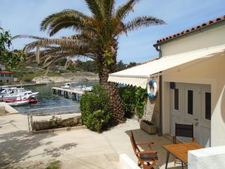 Cozy 2 bedroom Mali Losinj House with A/C - Mali Losinj vacation rentals