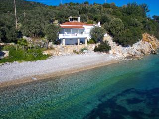 Nice Cottage with A/C and Parking - Alonissos vacation rentals