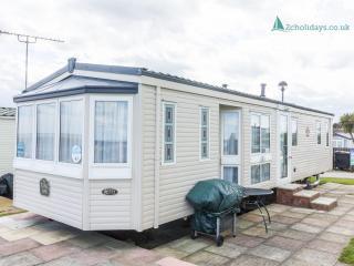 Hopton Shorefield 80043 - Stunning sea view - Hopton on Sea vacation rentals
