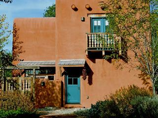 Casa Frances Enclosed Yard Walk to Plaza Hot Tub -Sleek European Flair - Taos vacation rentals