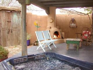 3 Master Bedrooms-Evaporative cooling-Enclosed Yard-Hot Tub-Outdoor Fireplace - Taos vacation rentals